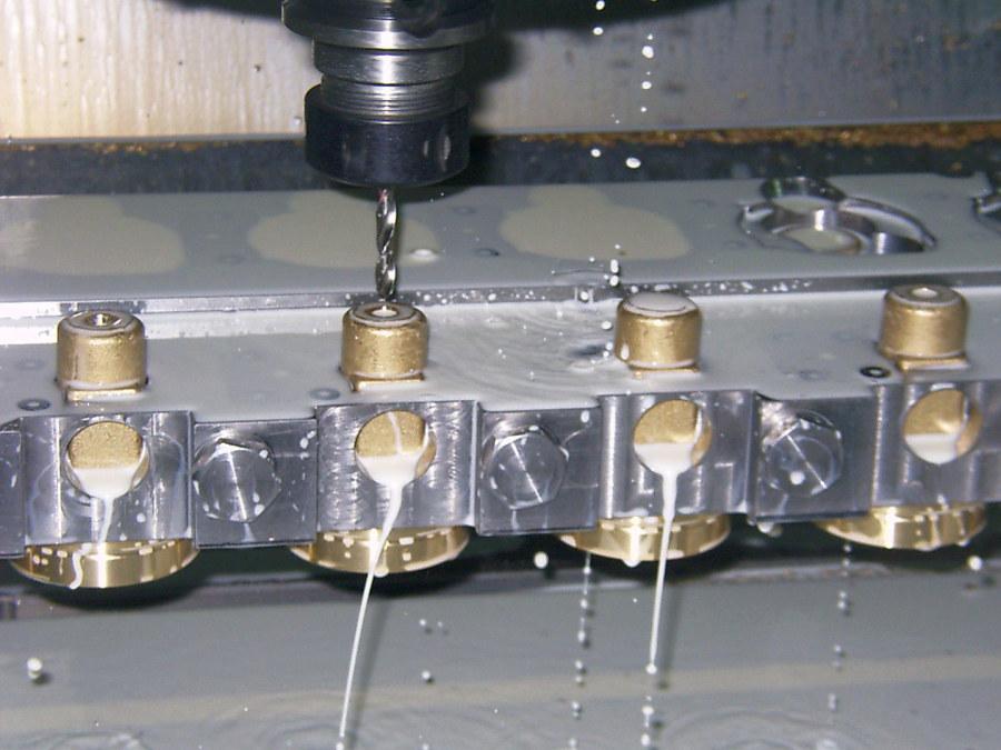 CNC- Fräsmaschine der alcom gmbh